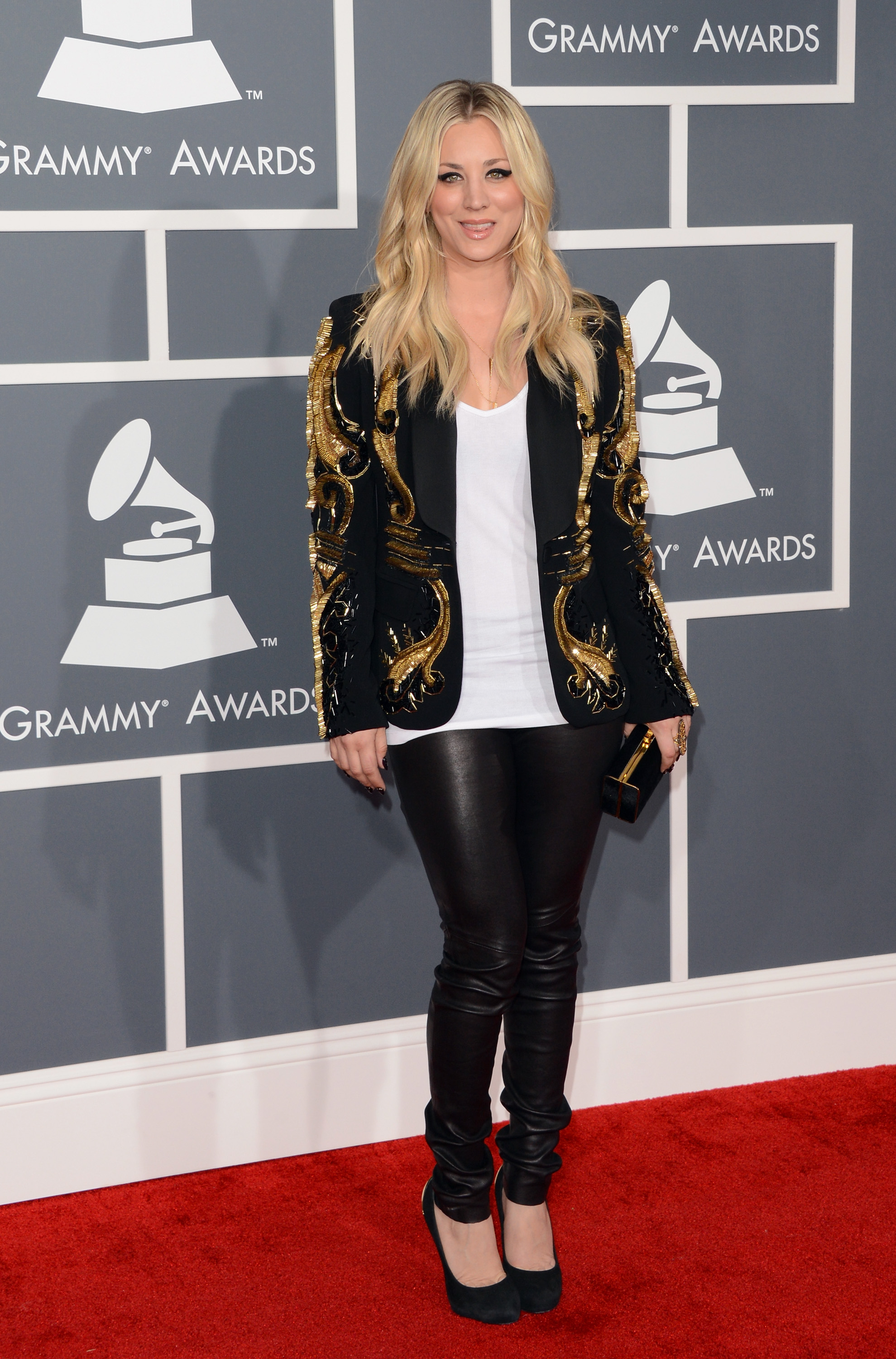Kaley Cuoco sported a blazer at the Grammys.