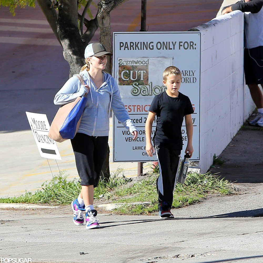 Reese Witherspoon and Deacon Phillippe hit the gym together.