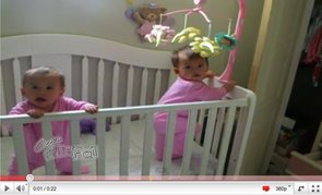 Awww! Cute Twin Babies Sneeze Simultaneously