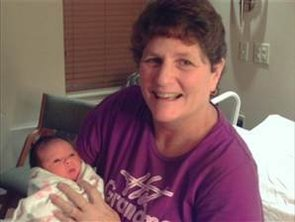 """Surrogate Mom """"Retires"""" After Birthing 15th Baby (VIDEO)"""