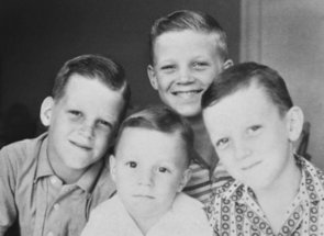 Amazing Family Then-and-Now Photos