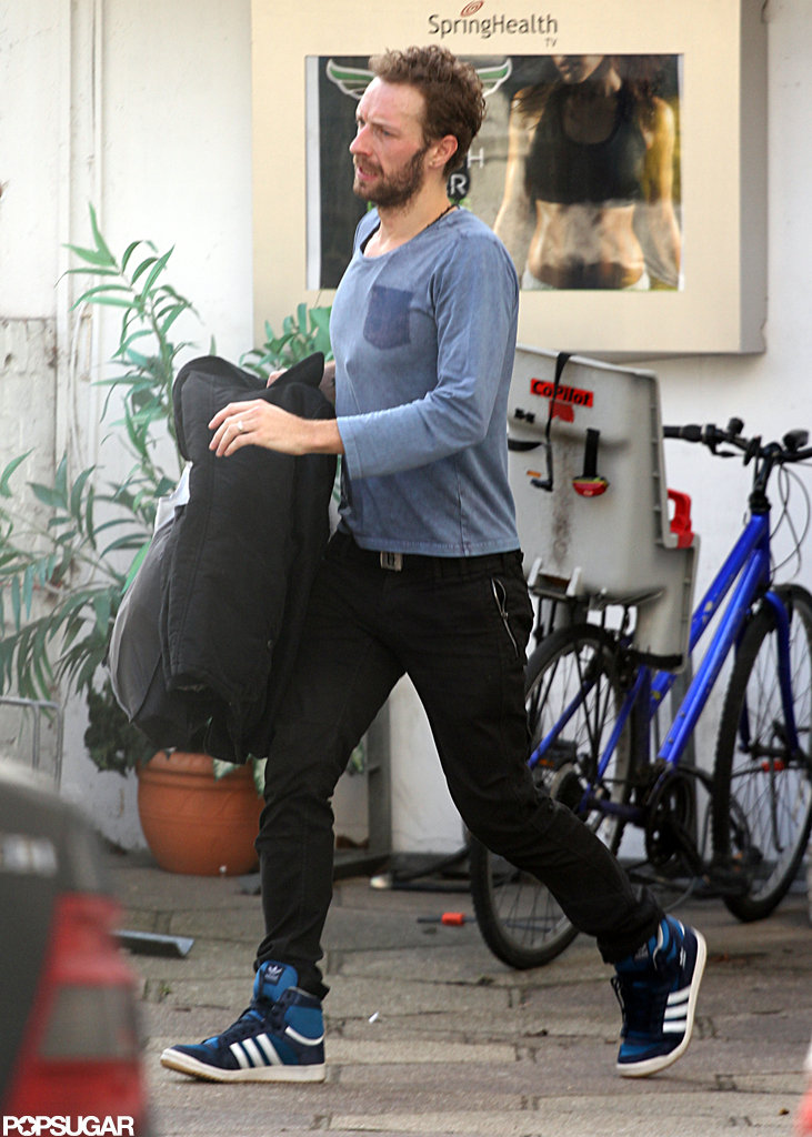 Chris Martin stepped out in jeans and sneakers.