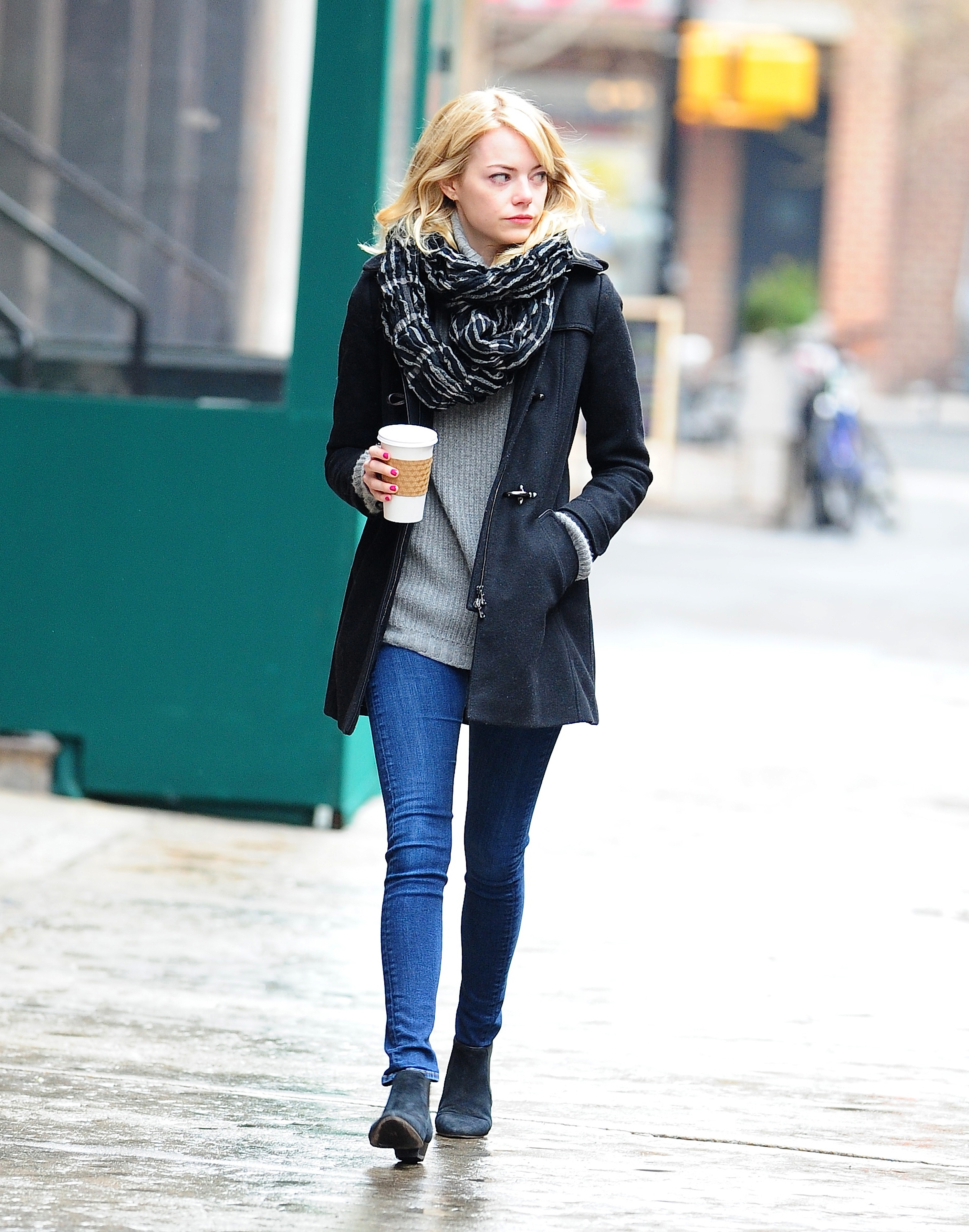 Emma Stone Took A Walk On The Wet Streets Of Nyc In A