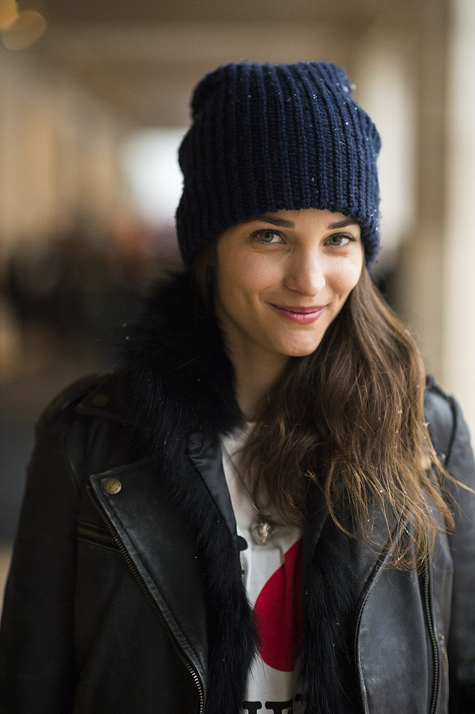 Maria Dueñas kept cozy under her cap with her flowing, mussy hair. Source: Le 21ème | Adam Katz Sinding