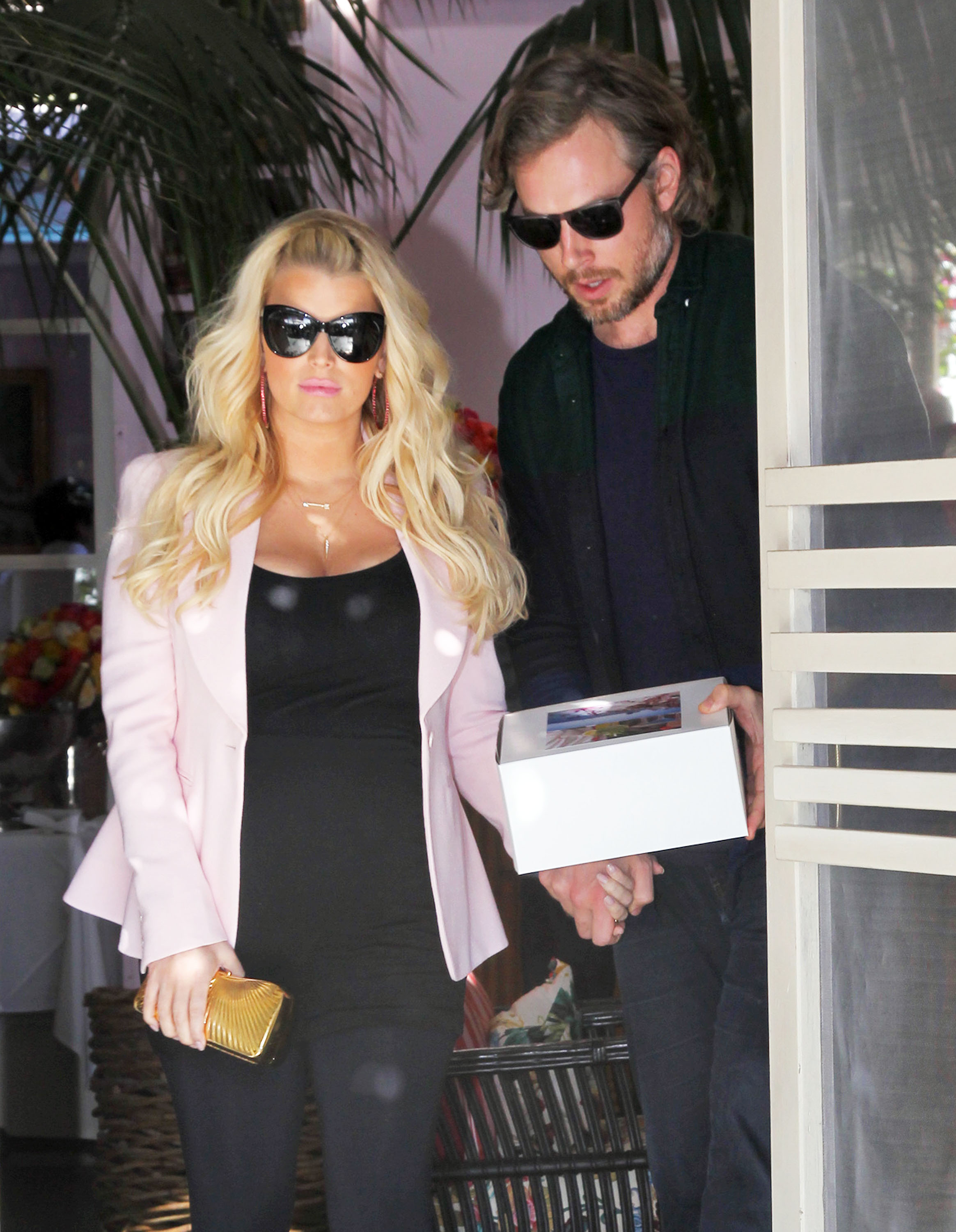 Jessica Simpson and Eric Johnson Show Love at Valentine's Lunch
