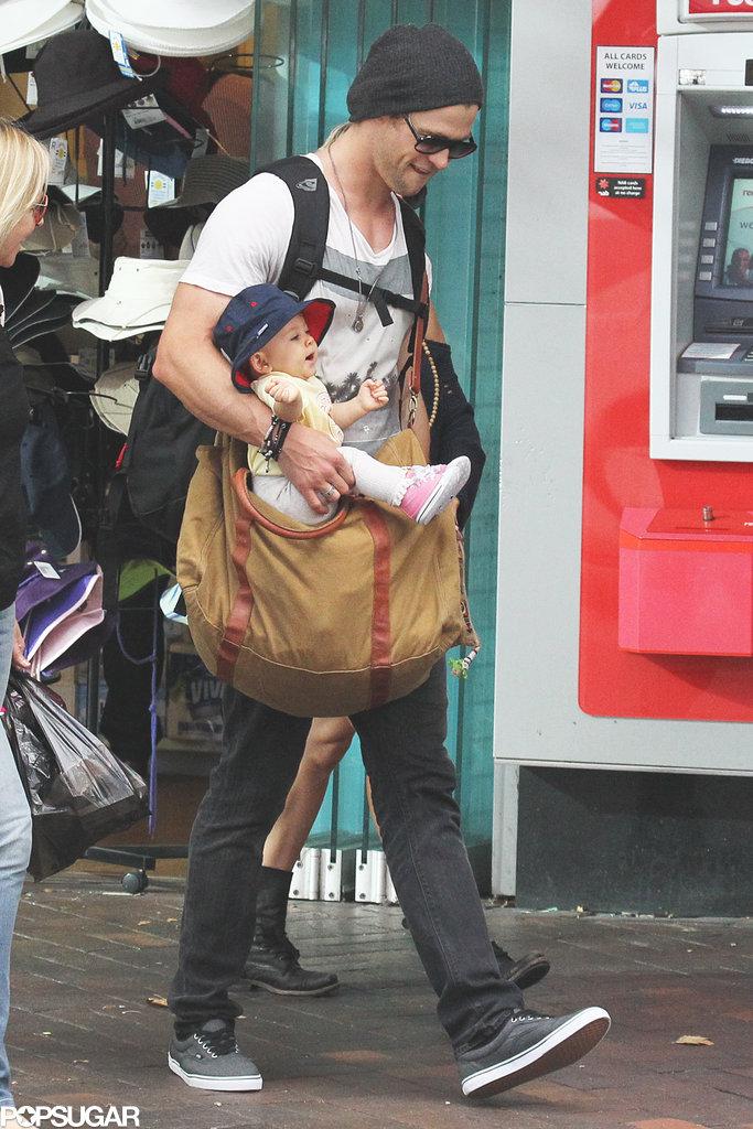Chris Hemsworth held his baby daughter, India Hemsworth.