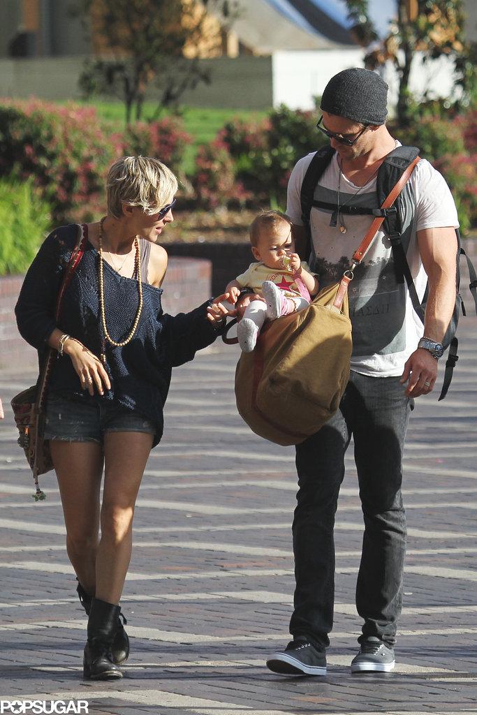 Elsa Pataky played with baby India Hemsworth.