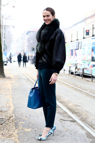 A furry collar and abstract pumps gave these trousers an attention-getting effect.