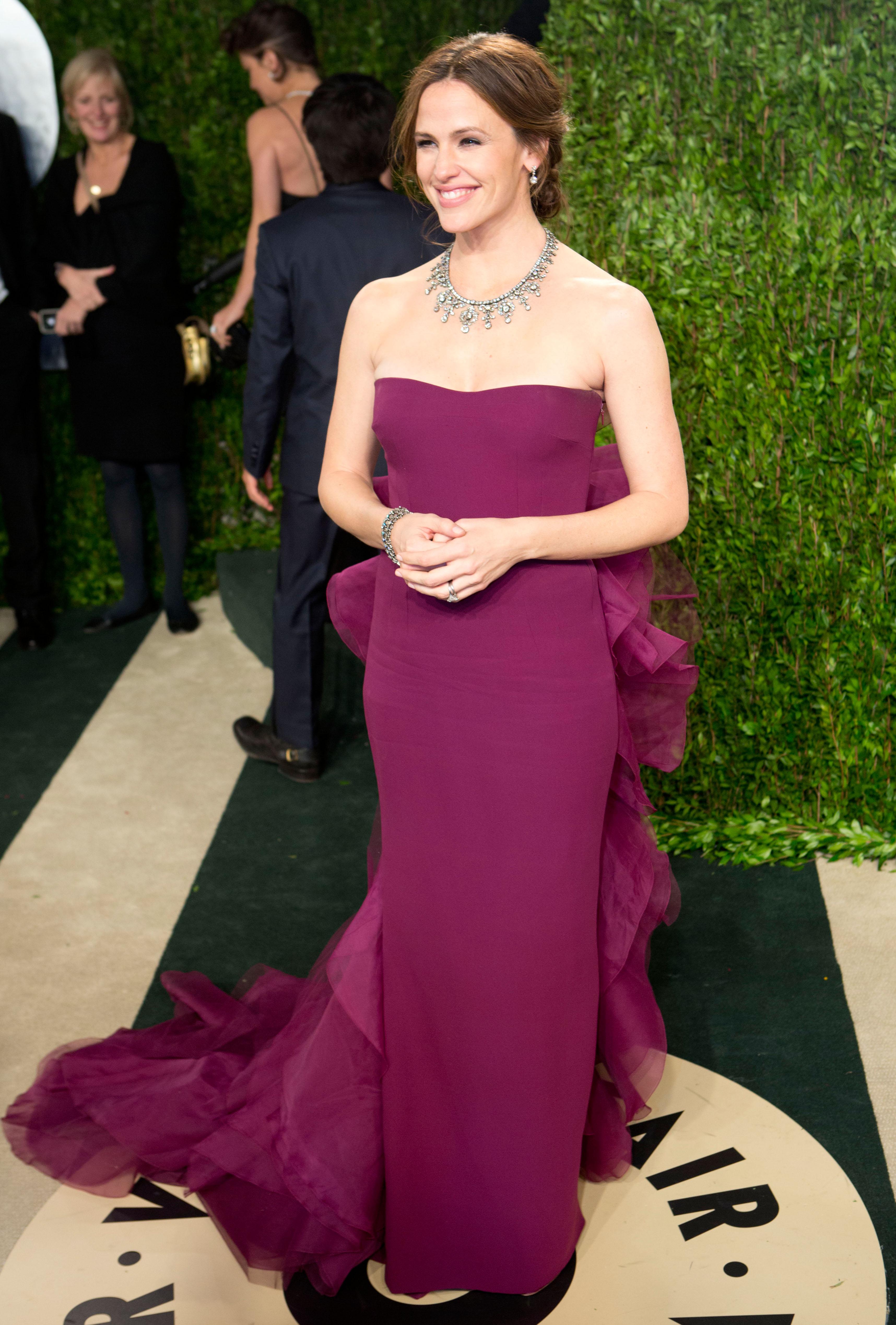 Jennifer Garner arrived at the Vanity Fair Oscar party.