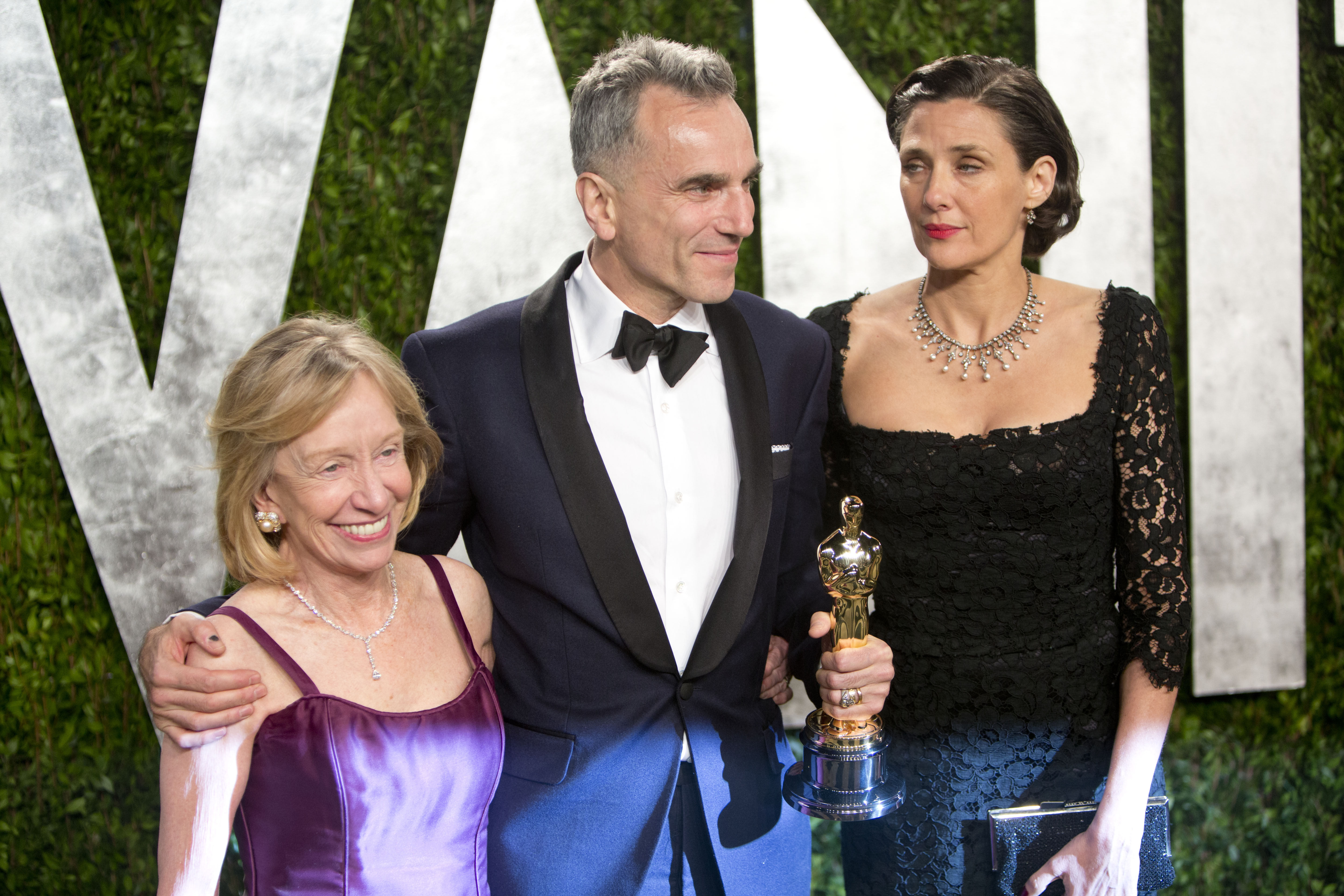 Daniel Day-Lewis posed with his family at the Vanity Fair party.
