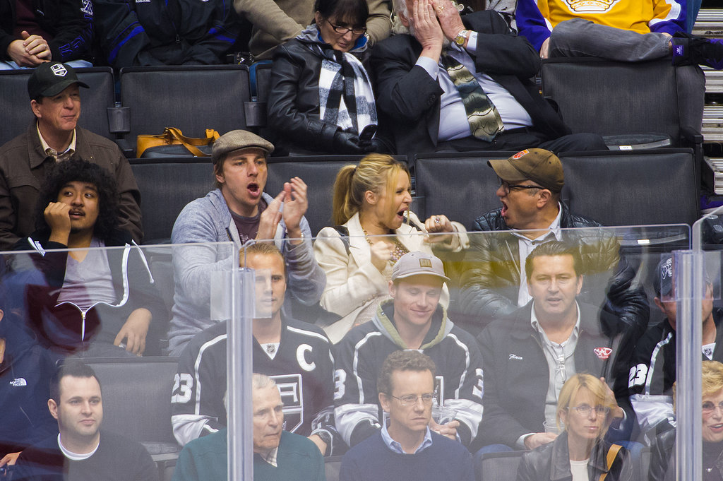 Dax Shepard and Kristen Bell got into the hockey game on Wednesday.