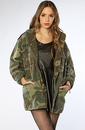 Rothco The Woodland Camo Vintage M-65 Field Jacket