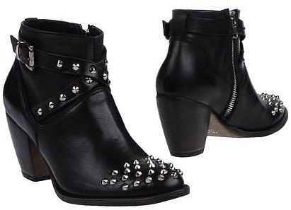 GESTE PROPOSITION Ankle boots