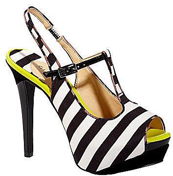 Gianni Bini Cheryl T-Strap Platform Sandals