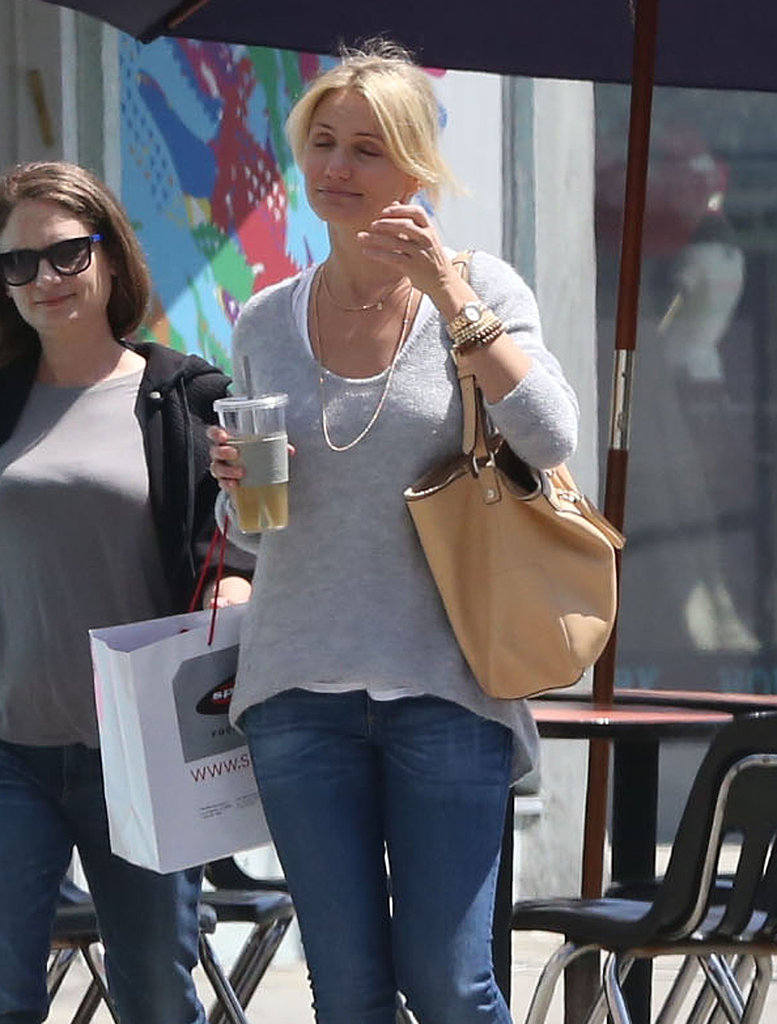 Cameron Diaz wore a gray sweater.