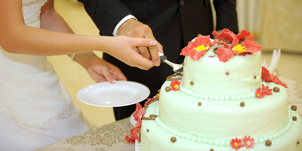 Would You Host a Wedding Without Cake?