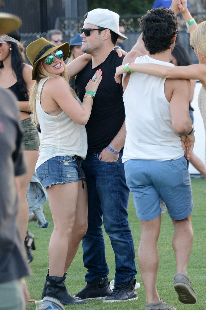 Hilary Duff and Mike Comrie stayed close.