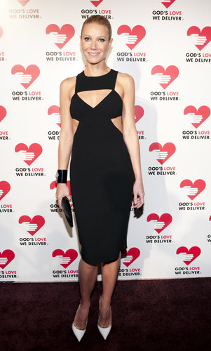 Gwyneth hit the black carpet in NYC wearing a formfitting cutout sheath by Michael Kors with colorblocked Jimmy Choo pumps.