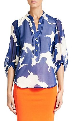 Syrah Top In Graphic Petals Blue
