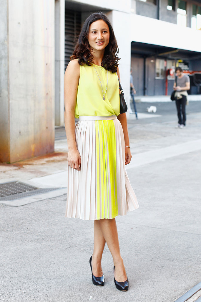 Sweet and pleated, plus a ladylike pair of pumps for the perfect finish.