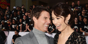 Tom Cruise Turns Up the Charm and Shoots Down a Rumour at the Oblivion Premiere