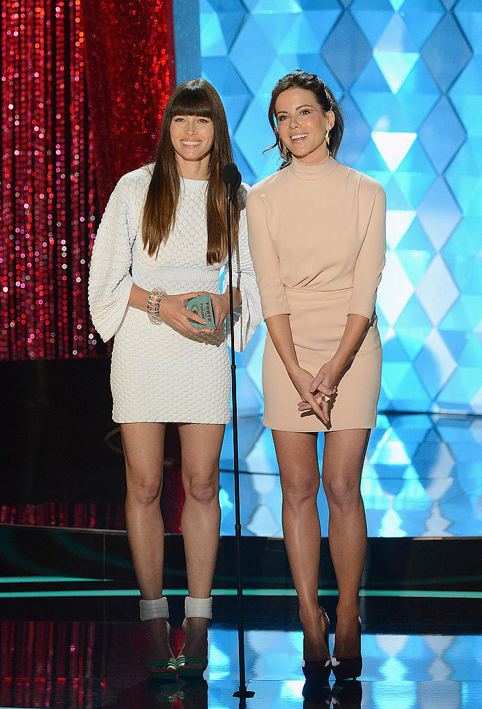 Jessica Biel took the stage with Kate Beckinsale to present a golden popcorn in 2012.