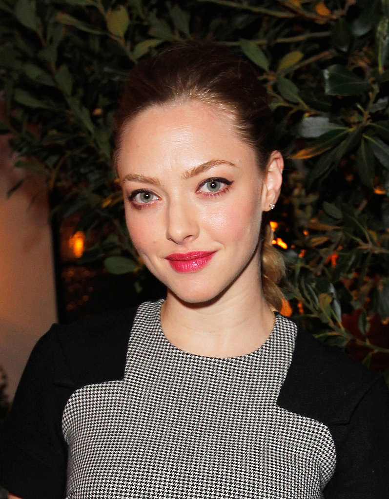 Amanda Seyfried was celebrating Allure's Look Better Naked issue in LA, and we couldn't take our eyes off her winged liner and bright pink lips duo.
