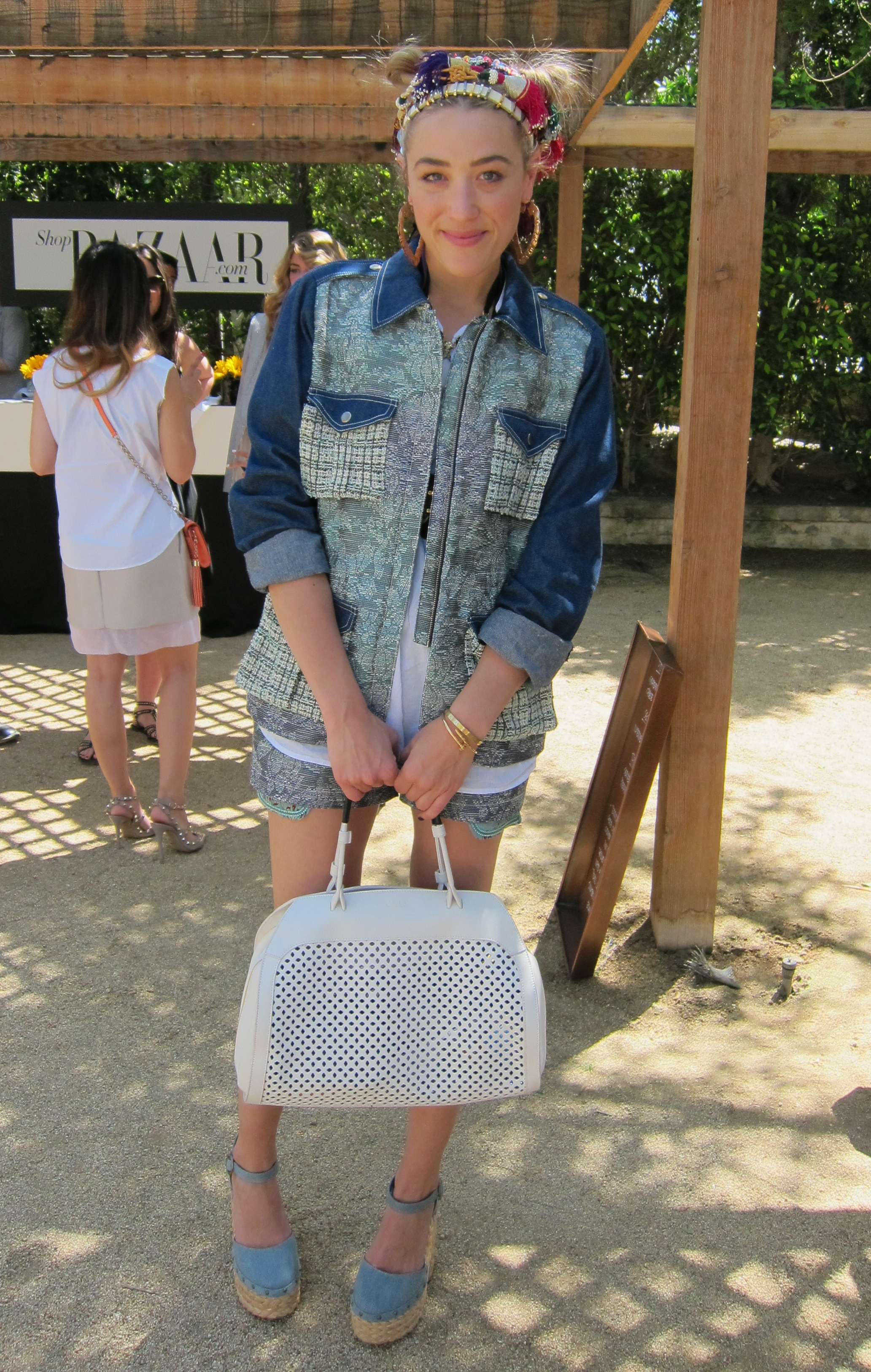 DJ Mia Moretti showed off a double-buns hairstyle and a funky headband.  Photo: Chi Diem Chau