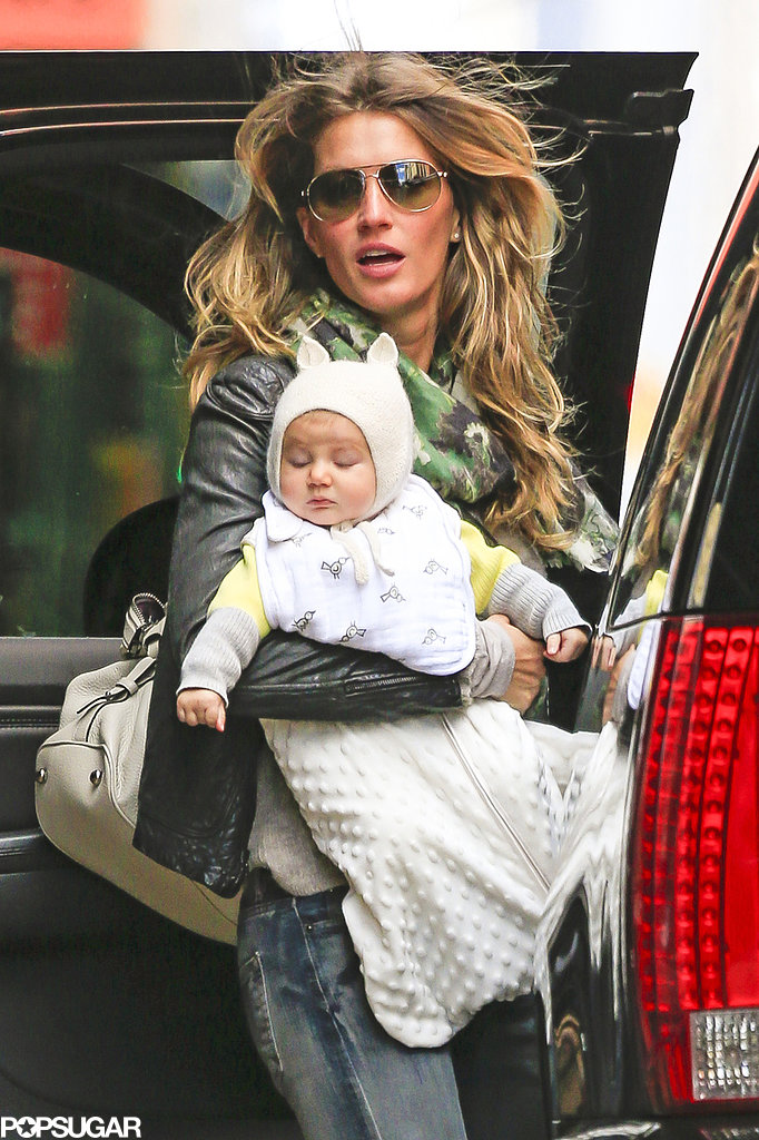 Gisele Bündchen carried baby Vivian for an outing in NYC.