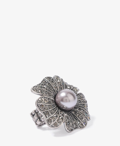 FOREVER 21 Pearlescent Flower Ring