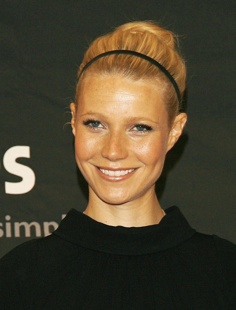 In 2006 at the Women in Hollywood premiere, Gwyneth displayed her best in casual elegance with a sleek up 'do accented with a thin headband.