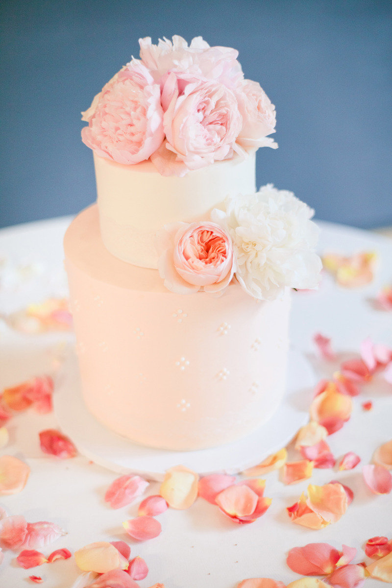 a soft eyelet pattern on the base layer of this cake and the two the ultimate wedding cake. Black Bedroom Furniture Sets. Home Design Ideas