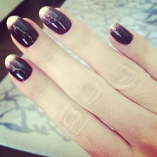 Rosie Huntington-Whiteley showed off her punk-inspired manicure ahead of the big event. Source: Instagram user rosiehw