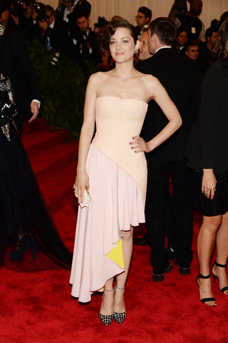 Marion Cotillard in Asymmetric Dior Dress