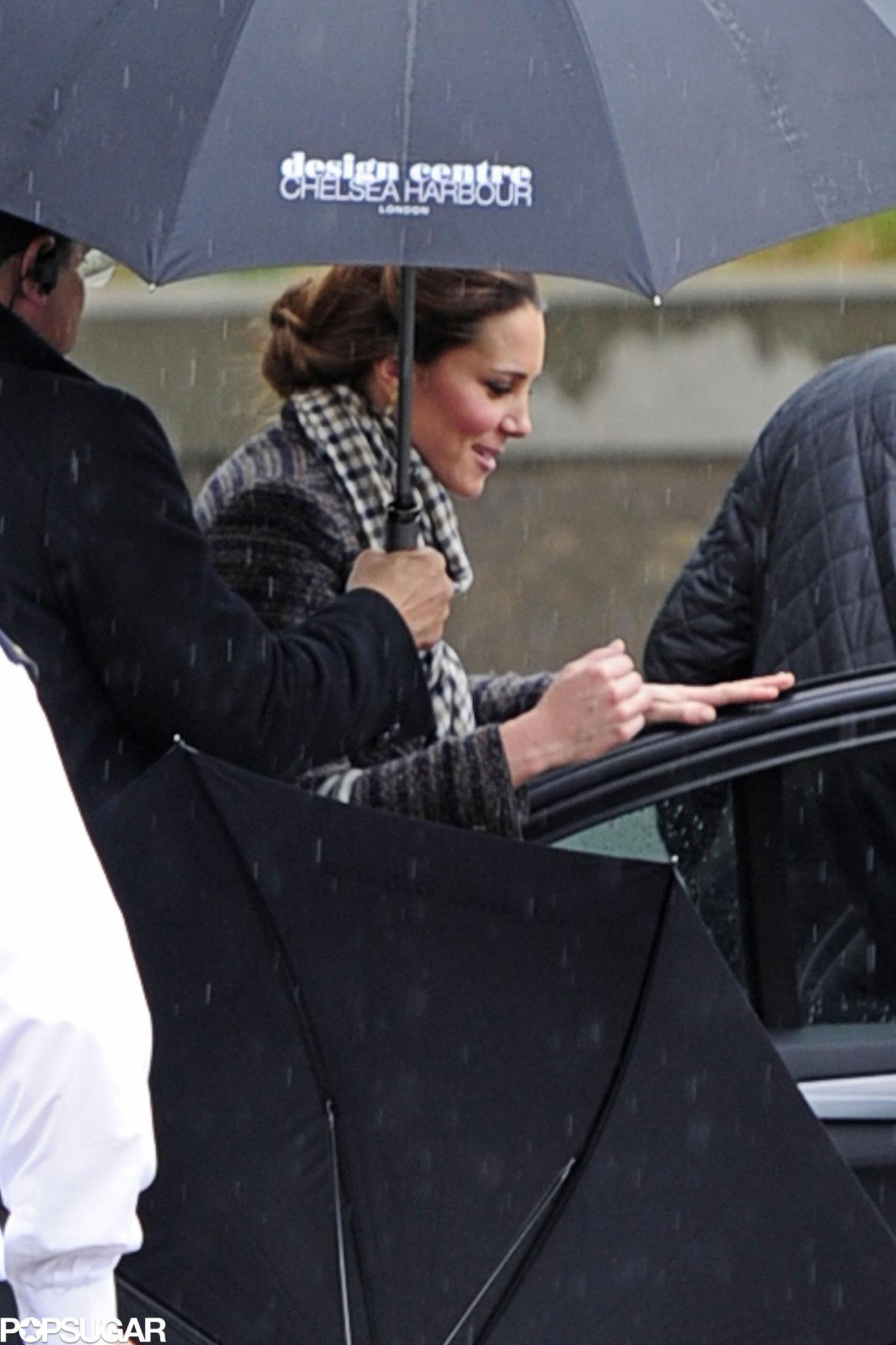 Pregnant Kate Middleton went shopping in London.