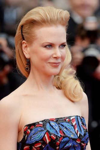 Nicole Kidman styled her hair into a gorgeously voluminous style, complete with curls and black barrettes, for the premiere of Inside Llewyn Davis. Her makeup palette focused on bronzy shades and peaches.