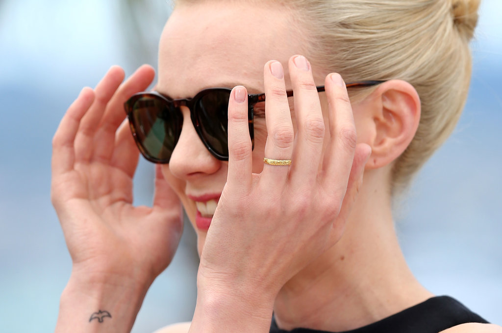 And bare nails!