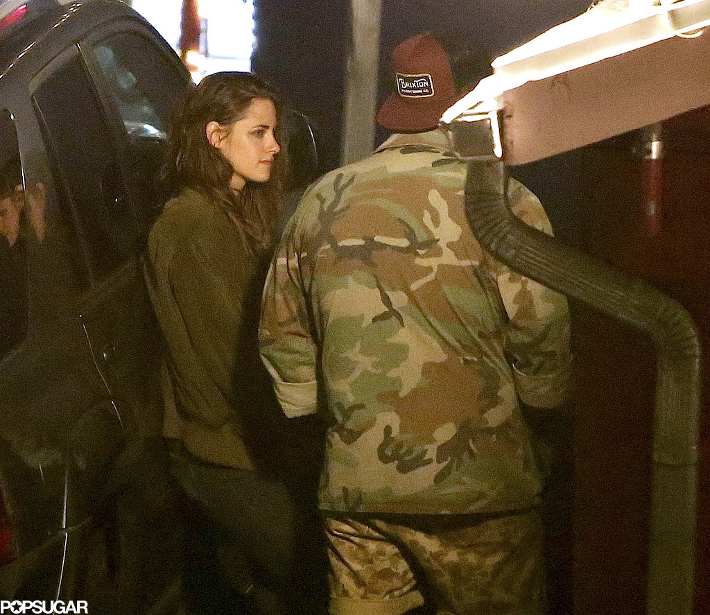 """Kristen Stewart Has a """"Relaxed"""" Dinner With Friends and Visits Taylor Swift Postsplit"""
