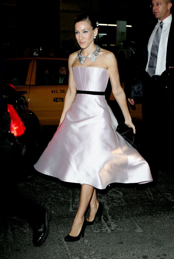 Sarah Jessica Parker was pristine perfection in a light pink strapless Peter Soronen for the Broadway opening of The Odd Couple in October 2005. Though her princess-worthy dress was deserving of a royal crown, Parker opted for a dazzling diamond statement necklace.