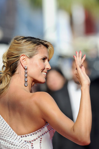 Heidi Klum waved to the crowd before heading into the Nebraska premiere on Thursday in Cannes.