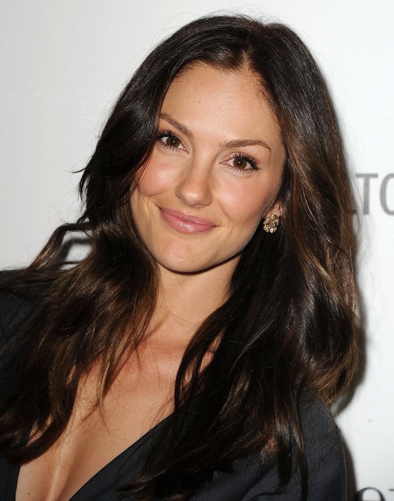 Minka Kelly was at an event in Beverly Hills, CA, earlier this week in an LBD. She kept her hair and makeup simple and feminine with lustrous waves and a natural makeup look.