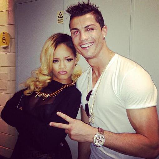 Cristiano Ronaldo posed with Rihanna backstage at her concert. Source: Twitter user Cristiano