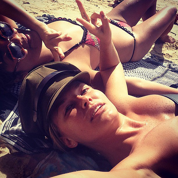 Lara Bingle and her friend Vicki Lee wore bikinis on US Memorial Day. Source: Instagram user mslbingle