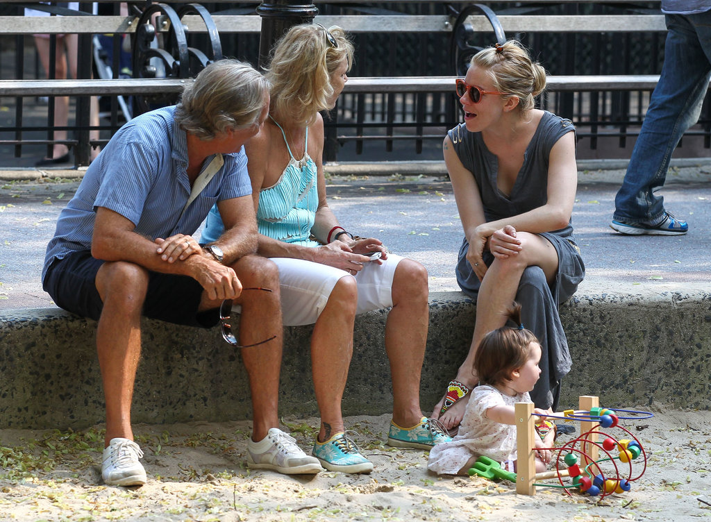 Sienna Miller took her daughter, Marlowe, to an NYC playground with her dad, Edwin, and his wife.