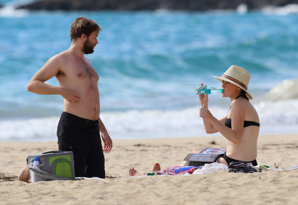 Vincent Kartheiser went shirtless on the beach with his fiancée, Alexis Bledel.