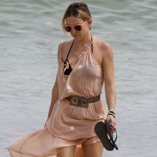 Kate Hudson on Vacation in Spain