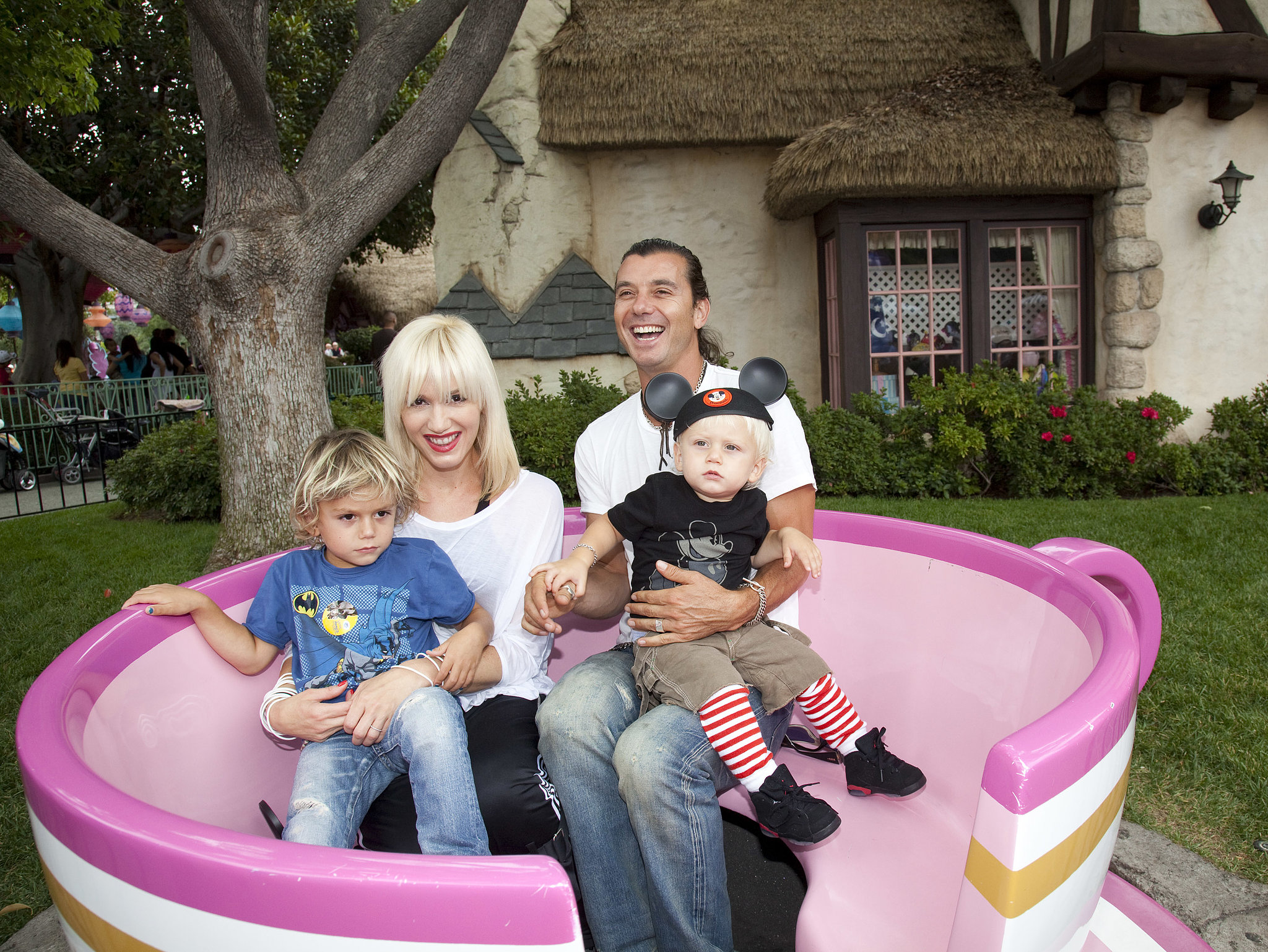 Gwen Stefani and Gavin Rossdale played around with their kids, Kingston and Zuma, at the park in July 2010.