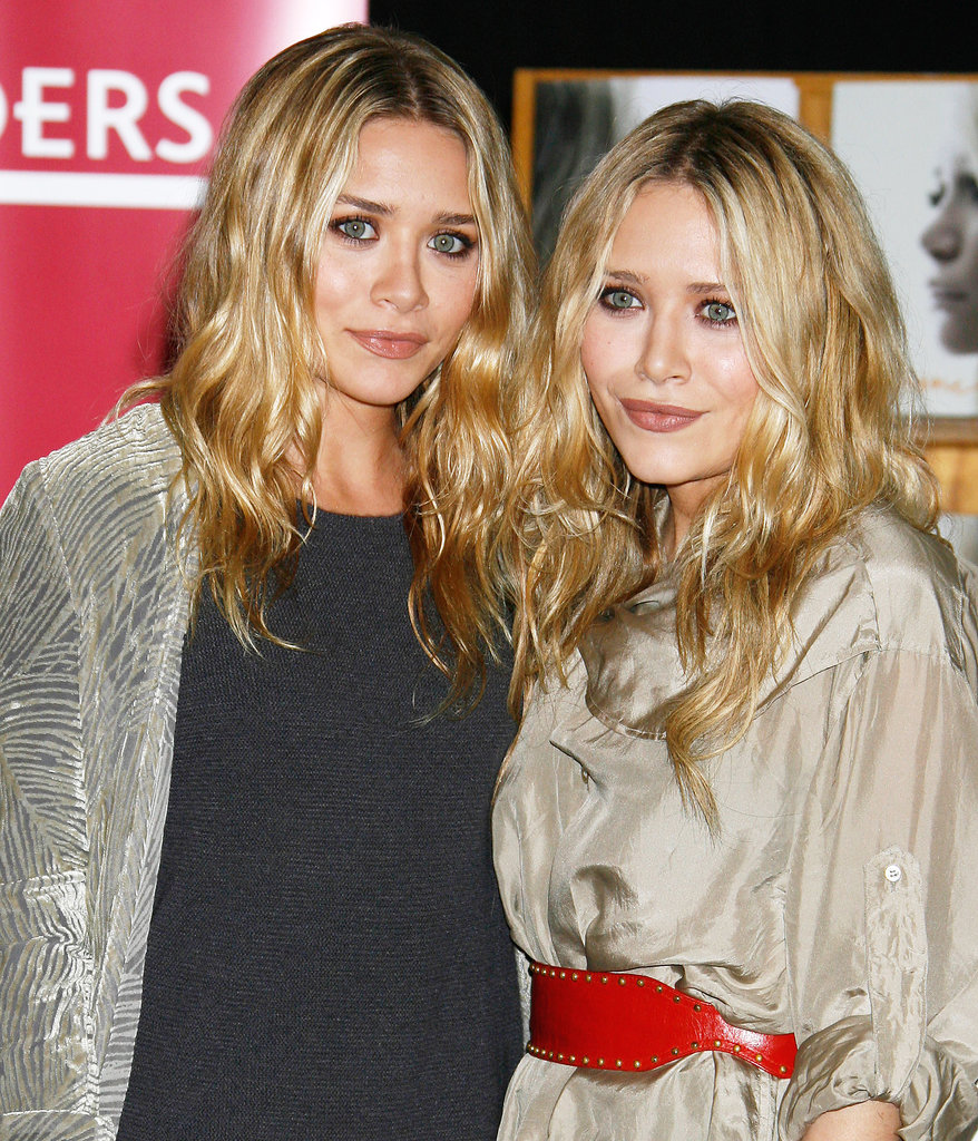 For the signing of their book Influence in 2008, the pair went for a similar look with blond waves and natural-looking makeup.