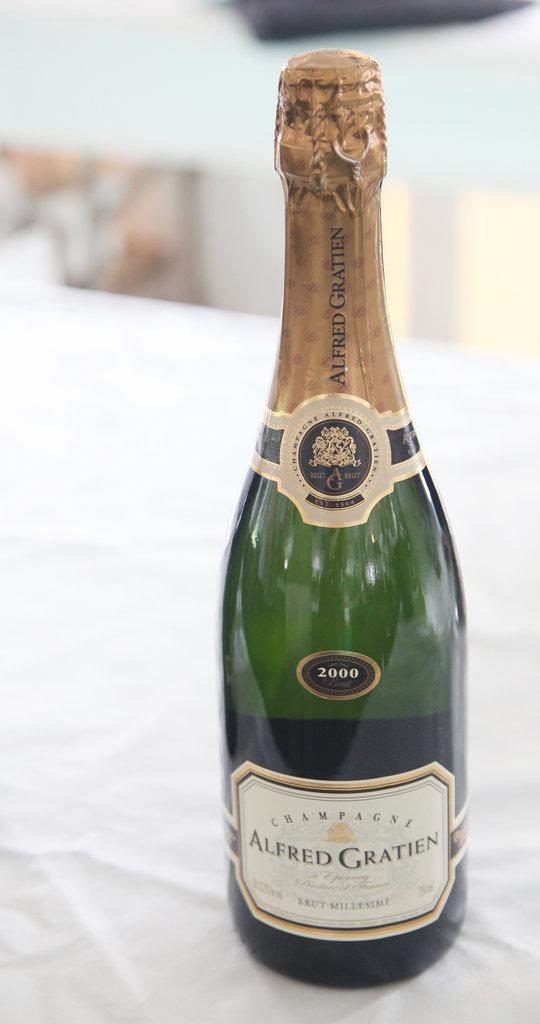 2000 Alfred Gratien Champagne Brut Millésime