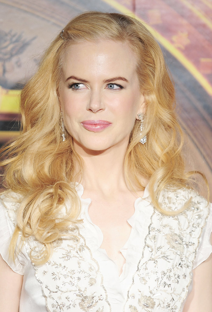 For the Tokyo premiere of The Golden Compass in 2008, she opted for voluminous waves, which were pinned back with a sparkling bobby pin.